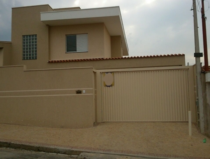 Ver mais detalhes de Casa com 3 Dormitórios  em Jardim Ricetti - São Carlos/SP