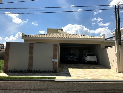 Ver mais detalhes de Casa com 3 Dormitórios  em Bosque São Carlos - São Carlos/SP