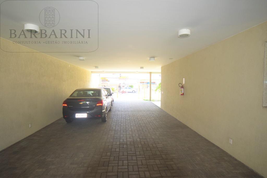 Estacionamento Lateral
