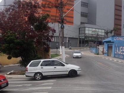 Ver mais detalhes de Casa com 3 Dormitórios  em Vila Silviânia - Carapicuíba/SP