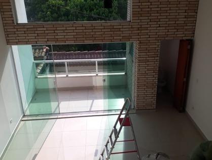 Ver mais detalhes de Casa com 3 Dormitórios  em Jardim Mirna - Taboão da Serra/SP