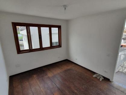 Ver mais detalhes de Casa com 2 Dormitórios  em Parque Pinheiros - Taboão da Serra/SP
