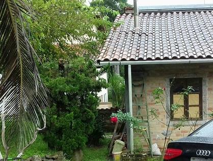 Ver mais detalhes de Casa com 3 Dormitórios  em EMBU DAS ARTES - Taboão da Serra/SP