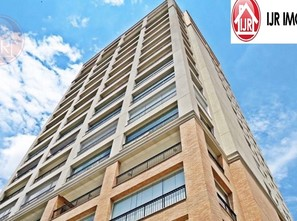 Ver mais detalhes de Apartamento com 4 Dormitórios  em Santana - São Paulo/SP