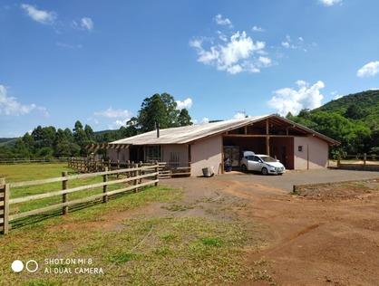 Ver mais detalhes de Rural com 4 Dormitórios  em Alto Caraa - Caraá/RS
