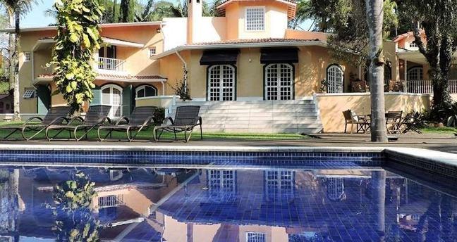 Ver mais detalhes de Casa com 6 Dormitórios  em Parque Silvino Pereira - Cotia/SP