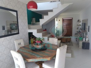 Ver mais detalhes de Casa com 3 Dormitórios  em Vale dos Cristais - Macaé/RJ