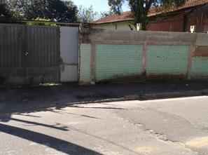 Ver mais detalhes de Casa com 3 Dormitórios  em Vila São Benedito - Pindamonhangaba/SP