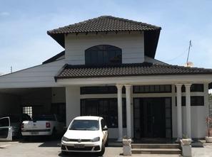 Ver mais detalhes de Casa com 4 Dormitórios  em Terras de Santana II - Londrina/PR
