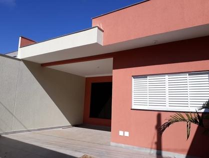 Ver mais detalhes de Casa com 3 Dormitórios  em Vila Larsen 1 - Londrina/PR