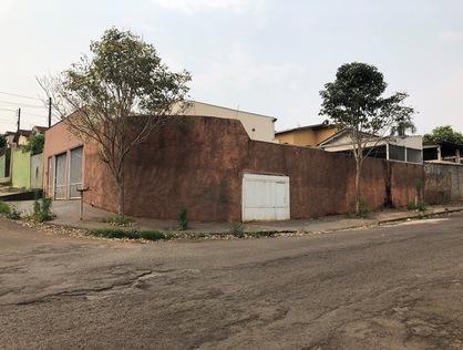 Ver mais detalhes de Casa com 3 Dormitórios  em Conjunto Parigot de Souza 1 - Londrina/PR
