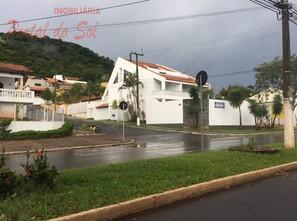 Ver mais detalhes de Casa com 4 Dormitórios  em Jardim São Fancisco - Santo Antônio da Platina/PR