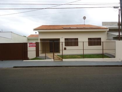 Ver mais detalhes de Casa com 3 Dormitórios  em Centro - Santo Antônio da Platina/PR