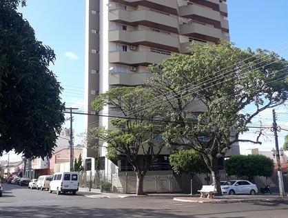 Ver mais detalhes de Apartamento com 3 Dormitórios  em Centro - Santo Antônio da Platina/PR