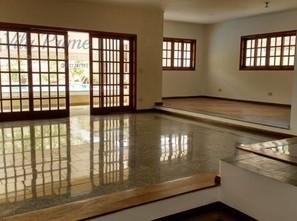 Ver mais detalhes de Casa com 4 Dormitórios  em Alphaville - Santana de Parnaíba/SP