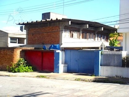 Ver mais detalhes de Casa com 3 Dormitórios  em ALTO DE PINHEIROS - São Paulo/SP