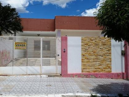 Ver mais detalhes de Casa com 1 Dormitórios  em Centro - Currais Novos/RN