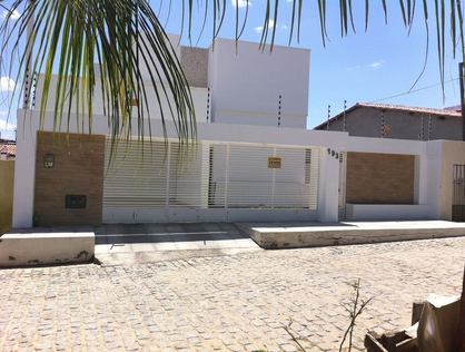 Ver mais detalhes de Casa com 3 Dormitórios  em Gilberto Pinheiro - Currais Novos/RN