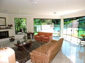 Ver mais detalhes de Casa com 4 Dormitórios  em Chácara Moinho Velho - Carapicuíba/SP