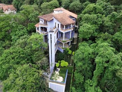 Ver mais detalhes de Casa com 4 Dormitórios  em Altos de São Fernando - Jandira/SP