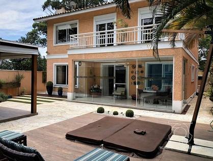 Ver mais detalhes de Casa com 4 Dormitórios  em Bosque do Vianna - Cotia/SP