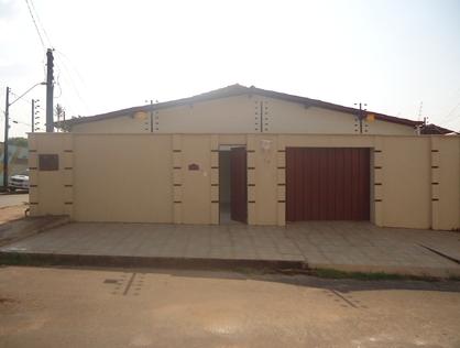 Ver mais detalhes de Casa com 2 Dormitórios  em CENTRO - Araguaína/TO