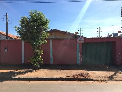 Ver mais detalhes de Casa com 3 Dormitórios  em SETOR COUTO MAGALHÃES - Araguaína/TO
