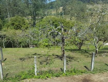 Ver mais detalhes de Rural com 4 Dormitórios  em Aldeia da Serra - Barueri/SP
